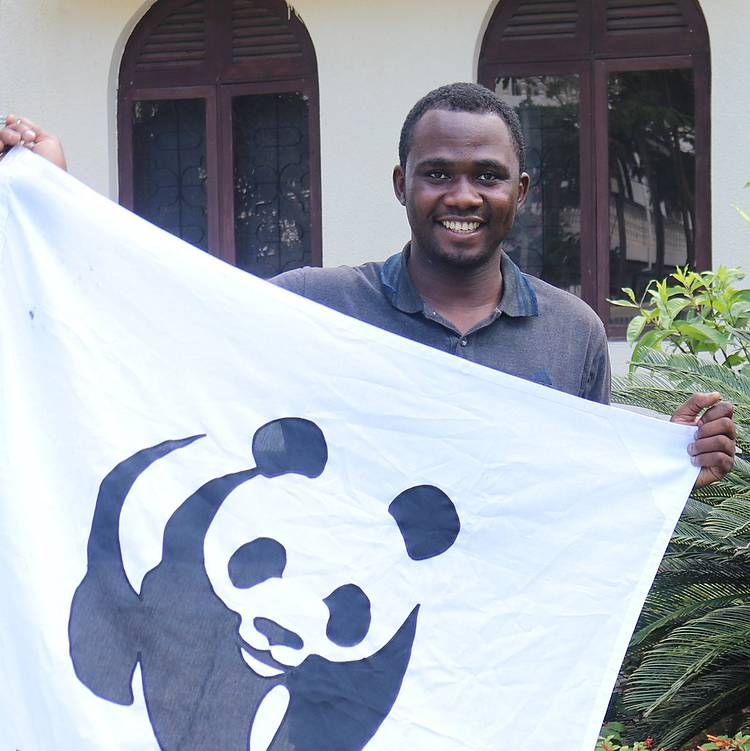 Hamis Wins 2018 Africa Conservation Youth Award!